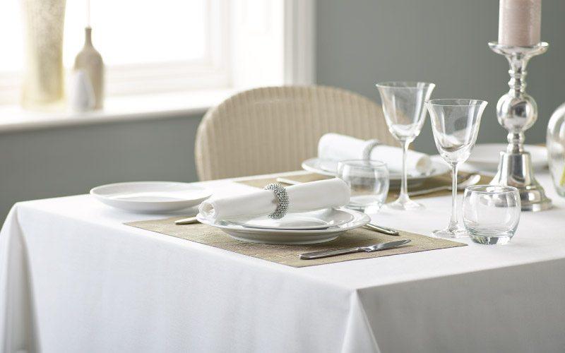 hotel tafelkleed wit damast