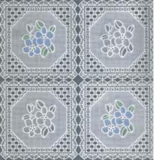45x140cm Restje tafelzeil kant wit met blauwe en witte bloemen